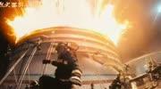 《烈火英雄》預告片中的楊紫,面對火災沉著...