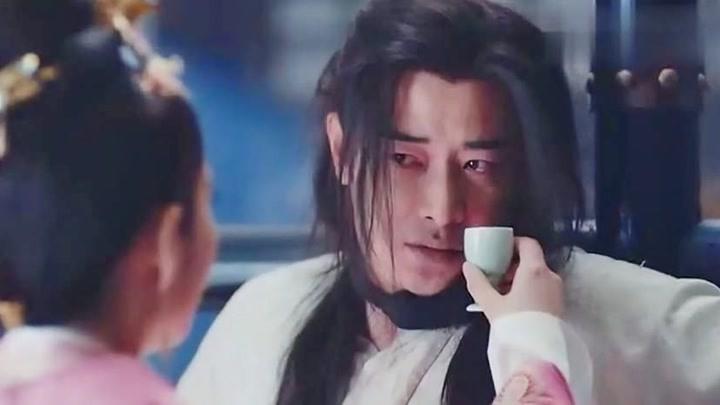 李長樂看到拓跋浚落難,高興得猛扇他巴掌,終于報仇了