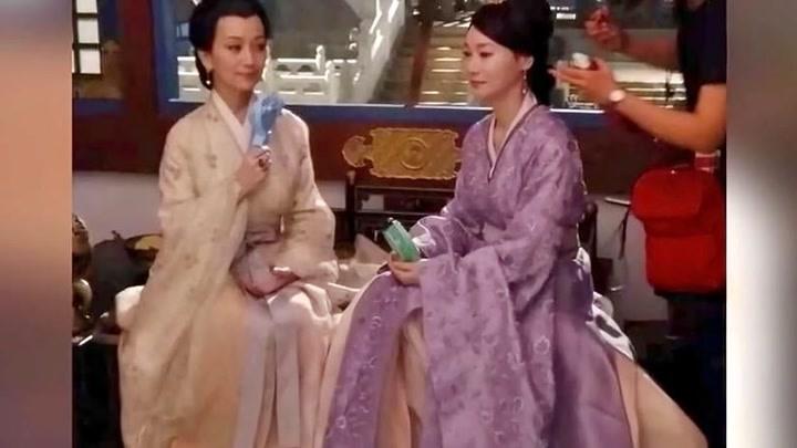 《帝王業》曝路透章子怡少女感十足趙雅芝惠英紅搭戲優雅氣質足